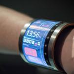 Stretchable electronics создает инновационные часы, которые будут приклеиваться на руку